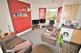 Student housemate needed, Headingley, £92 a week bills included