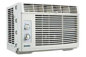 air conditioner for window ONE LEFT !!!! London Ontario image 1