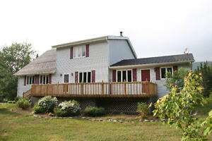 Large Family Home in the Humber Village for Long Term Rental