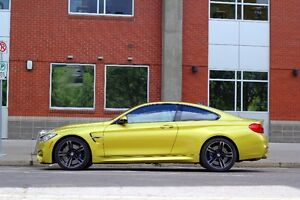 2015 BMW M4 Coupe (2 door)