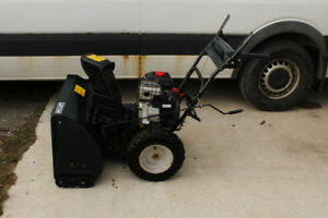 "Briggs n Straton 28"" Snowblower with Electric Start"