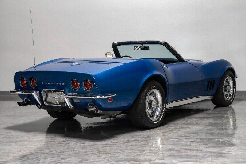 1968 Blue Chevrolet Corvette     C3 Corvette Photo 9