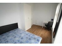 * LOVELY FLAT! * CLEAN DOUBLE ROOM IN TRENDY BRICK LANE * Great value for money!