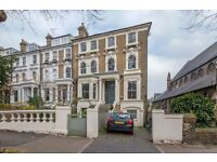 A large, light, elegant two bedroom apartment to rent in Islington N5