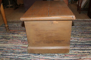 Old Blanket Box In Taupe Paint London Ontario image 3