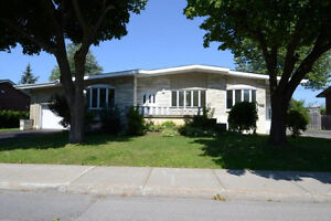 House For Rent - Dorval North
