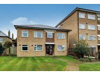 2 bedroom flat in Lankton Close, Beckenham, BR3