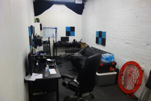 Garage lease buy or rent commercial office space in toronto downtown toronto studio workshop space for rent solutioingenieria Choice Image