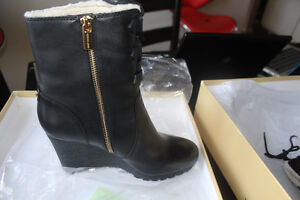 MICHAEL KORS RORY BOOT brand new
