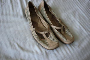 Leather shoes Size 12W Naturalizer very comfortable shoes