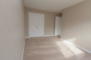 GREAT 3 BED TOWNHOME! SPACIOUS! DESIRABLE LOCATION! AVAIL DEC 1 Kitchener / Waterloo Kitchener Area image 4