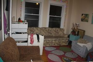 3 bedroom for rent at 1960 Oxford St.