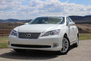2011 Lexus ES 350 with full warranty
