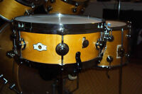 Vintage maple USA drum set, complete, a vendre.