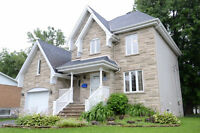 House L'ile Perrot Cottage Large Lot Close to Waterfront