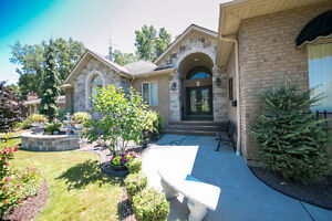 GORGEOUS RANCH IN LASALLE