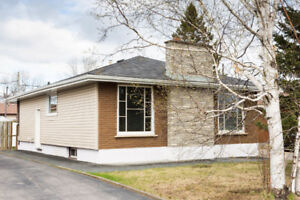 Forest Park! 4 Bedroom Bungalow!