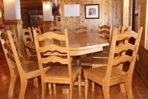 Mobilier de salle à manger pour 12 personnes