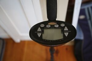 Discovery 2200 Metal Detector