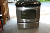 STAINLESS STEEL GAS RANGE - CONVECTION OVEN