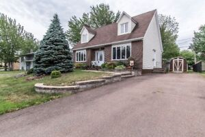 PRICED TO SELL!  AVAILABLE FOR IMMEDIATE CLOSING!
