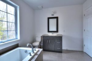 NEW PRICE  Ile Perrot (15 min to West Island) Flexible occupancy West Island Greater Montréal image 15