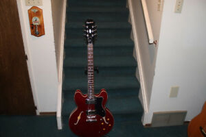 Epiphone Dot  CH cherry red