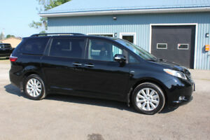2017 Toyota Sienna LIMITED All-Wheel-Drive | DVD | Nav |Sunroof