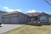 Beautiful custom built Bungalow in Lively
