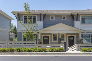 Designer Townhouse in East Abbotsford!