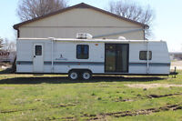 35 ft Mallard Trailer Perfect for a Hunting trailer or a family