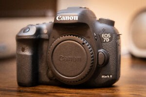 Used Canon 7D Mark 2, Excellent Shape, battery and charger incl.