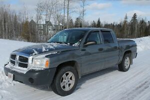 2005 Dodge Dakota Quad Cab Pickup Truck