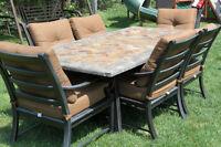 Magnifique set de patio, table en ardoise et chaise en aluminium