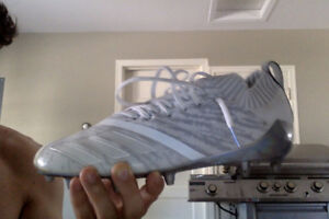 Addidas 7.0 Football Cleats. Worn Once. Size 9