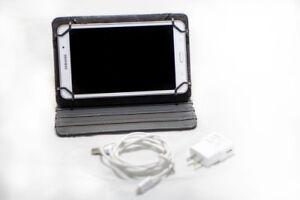 Tablette Samsung Galaxy 4 7'' avec étui. VENDU