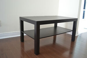 BLACK COFFEE TABLE/ TABLE BASSE NOIRE