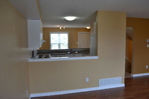 Rooms for rent, great for students. Close to Western London Ontario image 7