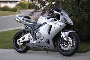 2006 Honda CBR 600rr (sale pending)