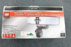DEFIANT motion security light(14767-2)