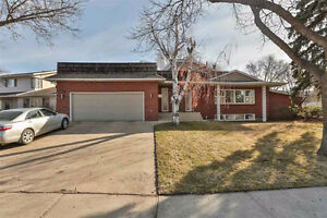 Bungalow in Sherwood Heights