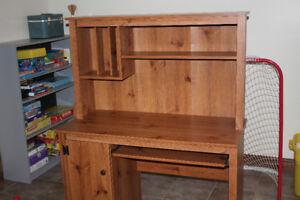 Computer desk/shelf unit