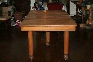 ANTIQUE MAPLE DINNING TABLE