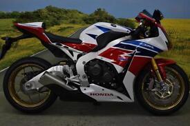Honda CBR1000 SP 2014**ABS COMBINED, OHLINS FULLY ADJUSTABLE SUSPENSION**