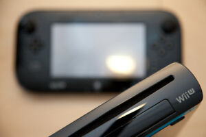 Wii U 32GB + Gamepad, Sensor, Cables