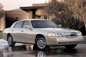 2006 Lincoln Town Car Signature Limited Sedan - Low KM