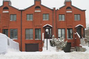 Belle Maison devant parc