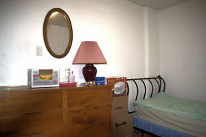 ● No lease ● $400 ● Downtown Hull ● June 1 ●