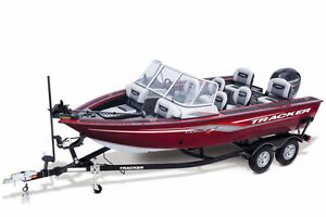 Loaded big water fishing skiing boat with a 150 Mercury !