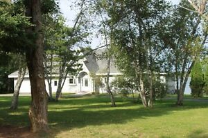 Beautiful Waterfront home 5 minutes from town of New Glasgow